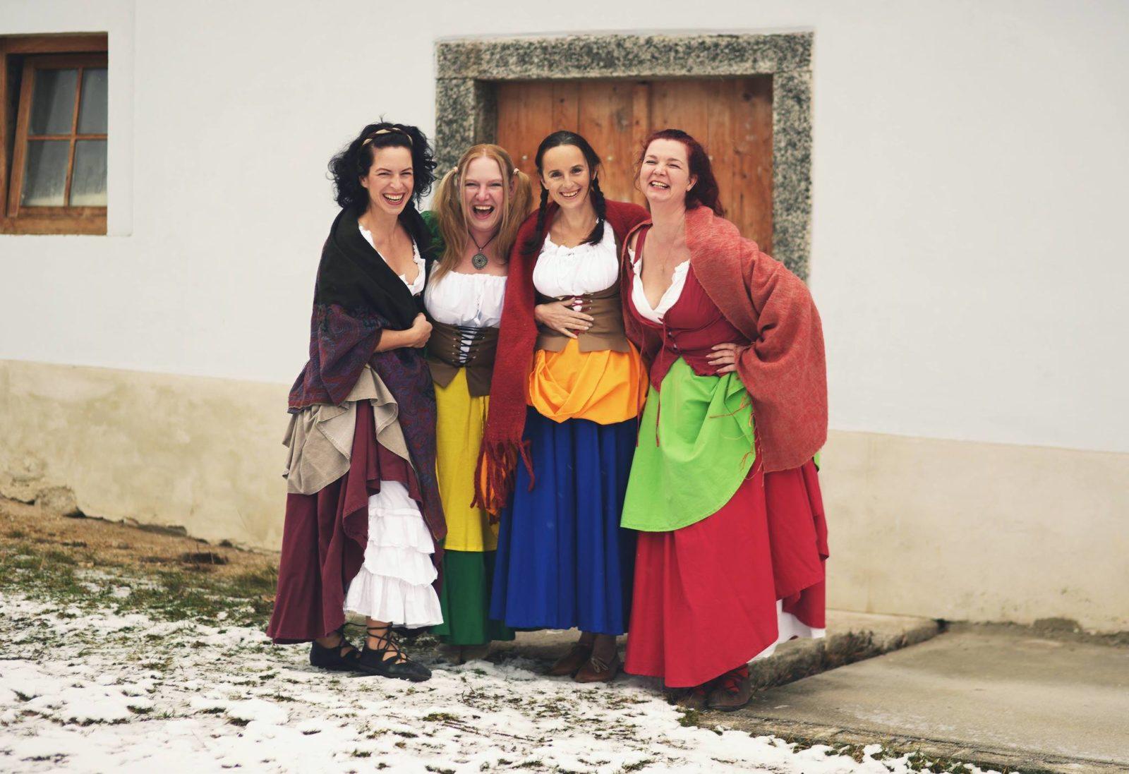 Kancioneta má v repertoáru staré lidové tance estonské, bretaňské, skotské, polské, anglické, izraelské, běloruské a další